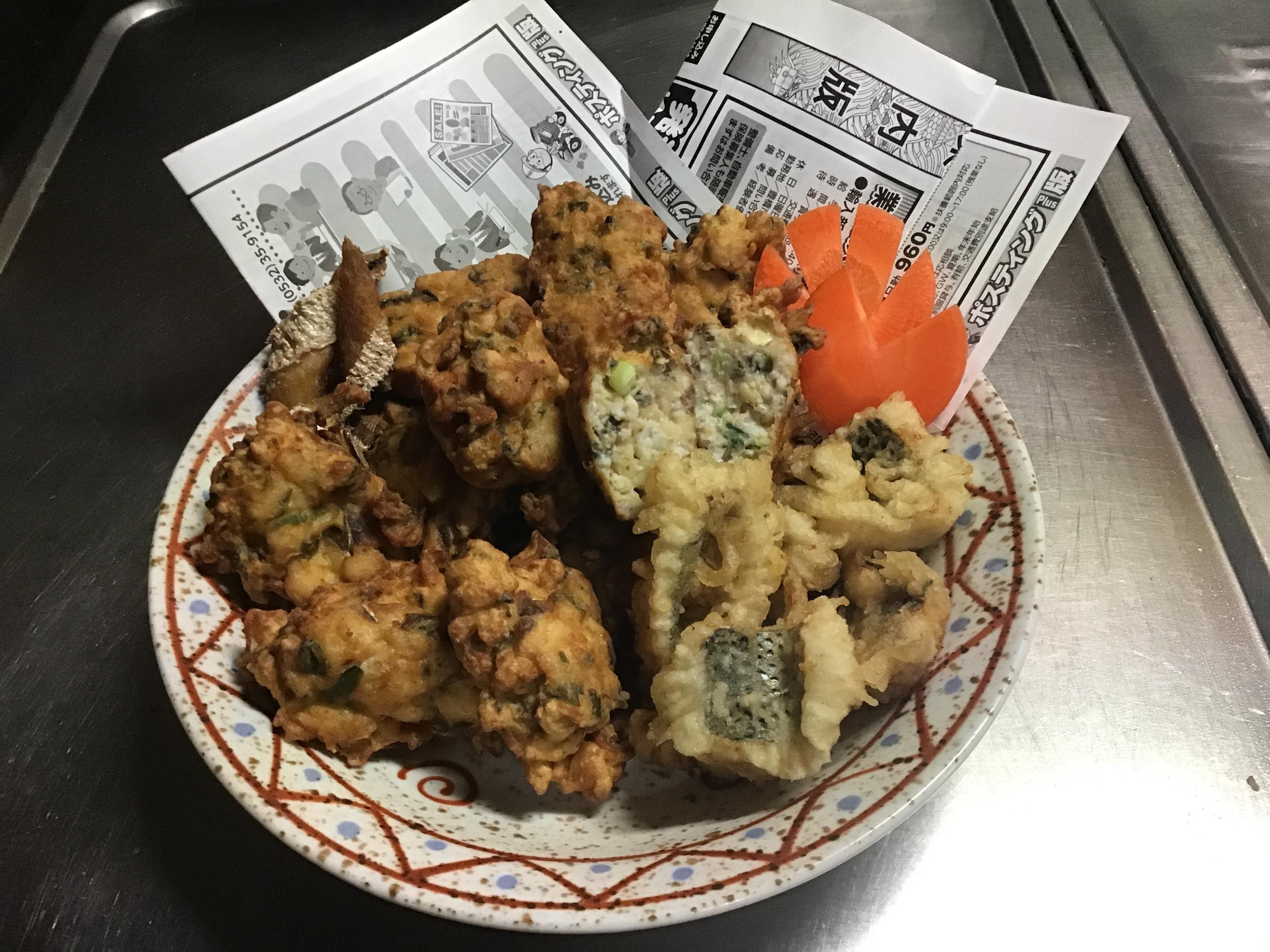生で食べればなめろう。揚げればつくね。焼けばハンバーグです。骨切りできれば天ぷらでいけます。小骨攻略でバカウマデス❗️