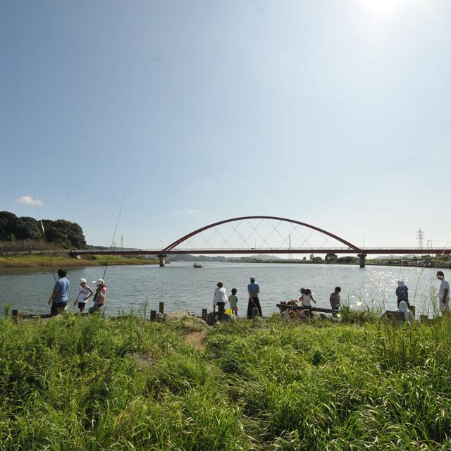 近所の川や池で釣りをしたい!