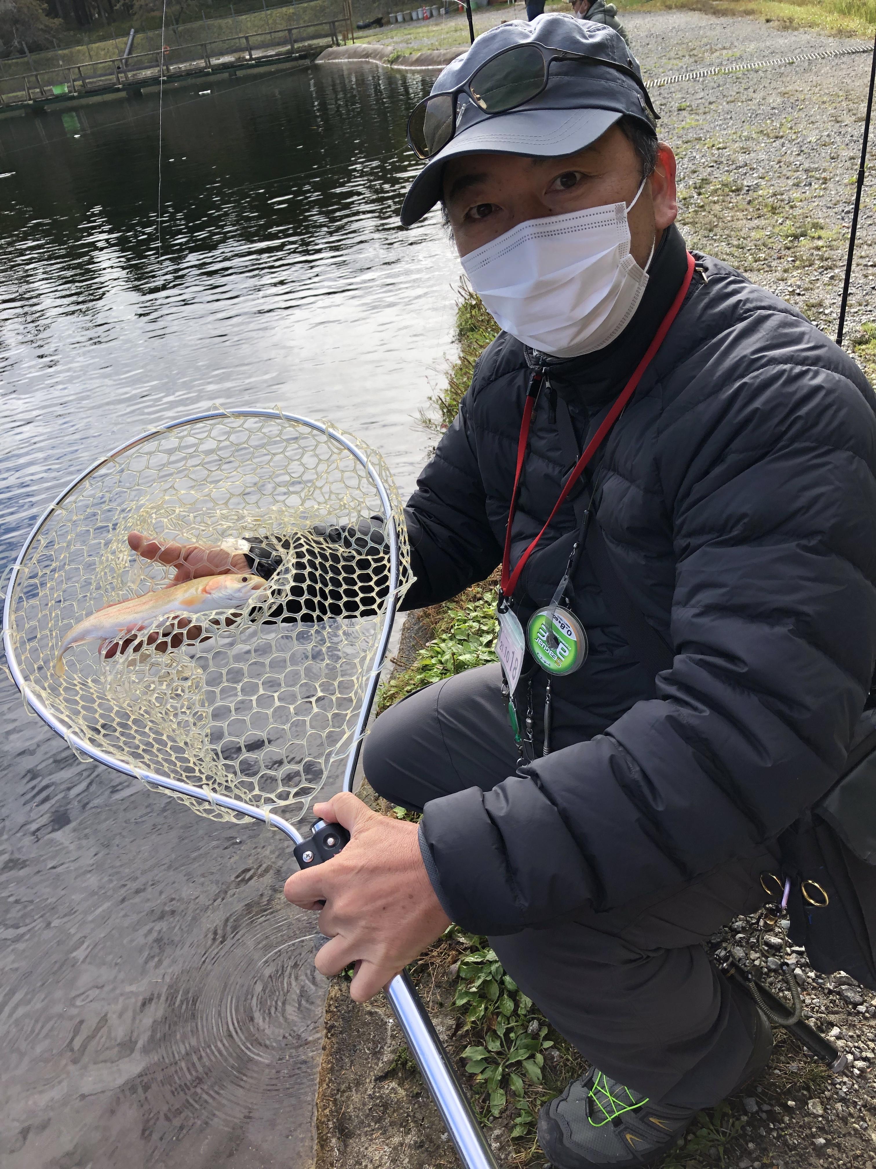 秋の管理釣り場トラウトシーズン真っ盛り!ボトムから表層までいろいろなルアーで楽しめる季節です。