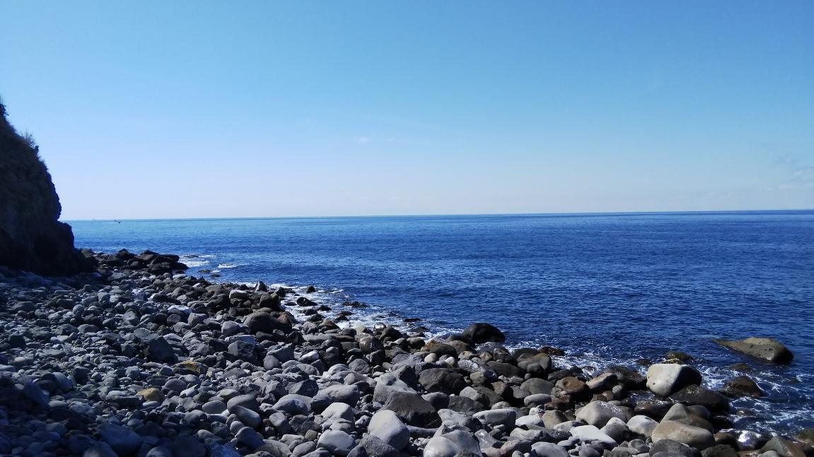 戸田港西側のゴロタ浜での釣行です