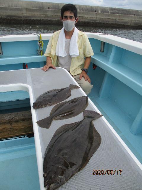 いつもの常連様は肉厚初秋ビラメを釣り上げ大満足ッ(о´∀`о)⁈