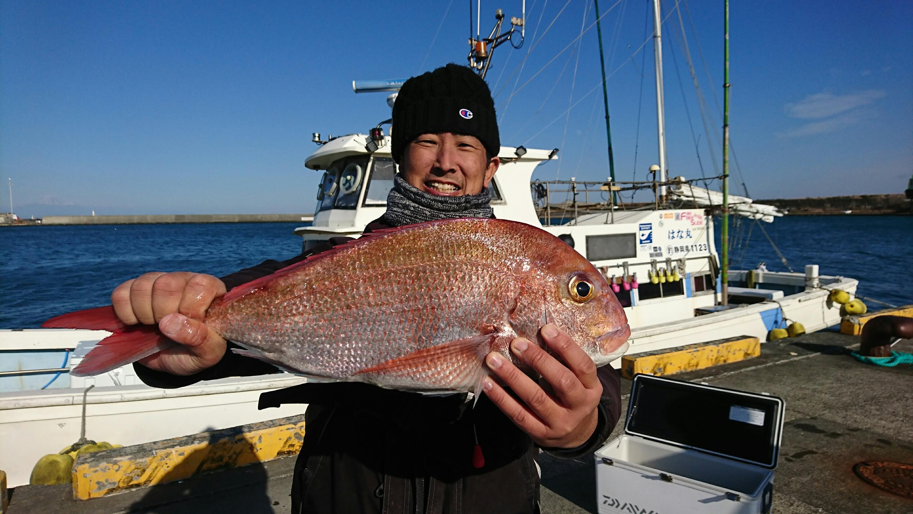 他にワラサ3本など釣れてました。船長は丁寧で優しく 大シケの中でも楽しく釣りができました!