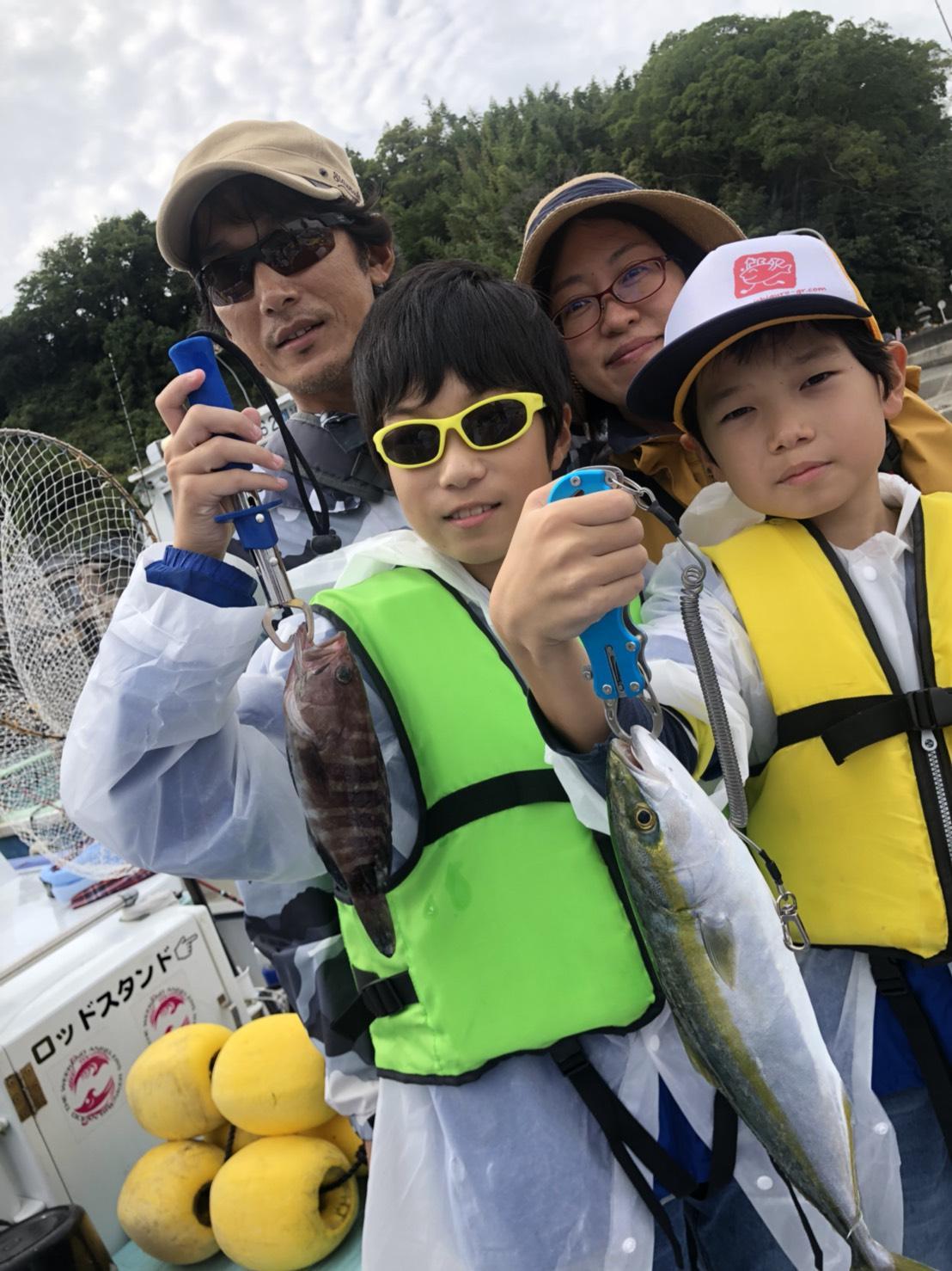 青物の活性よく、イナダ・カンパチが船中20匹以上釣れました!