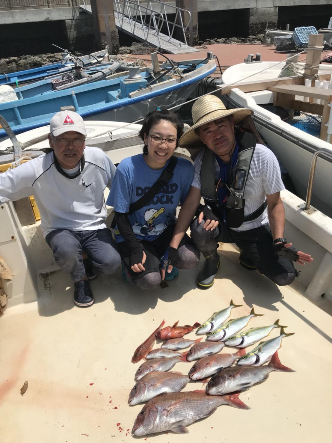 お客様釣果です♪家族で一杯釣れました♪家族でのんびり釣りができるのが【チャーター船】のいいところですね♪