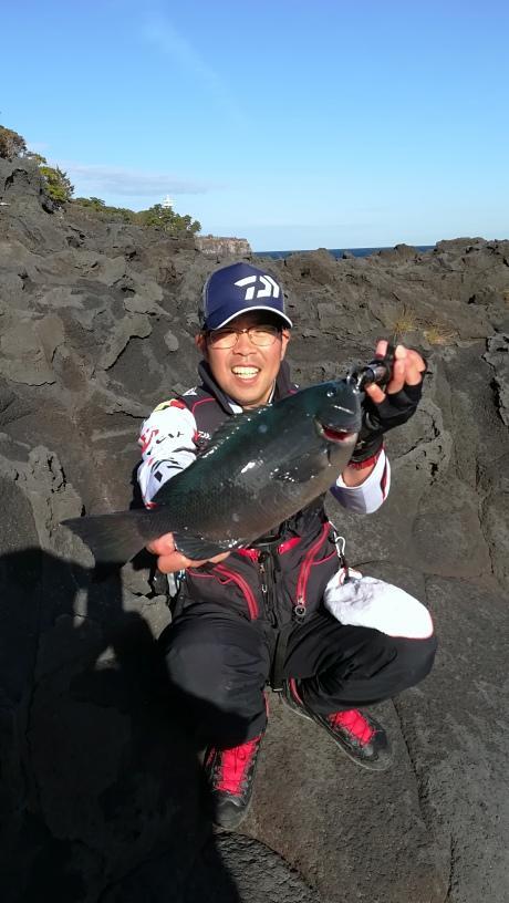 城ヶ崎地磯 メジナ38cmまで釣れました! 0号ウキを使ったゼロ沈め釣法が良かったです!