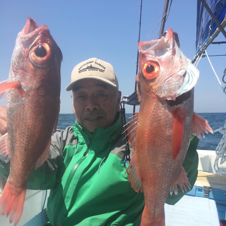 沖の赤ムツは大型でメダイの様に良く引きます!