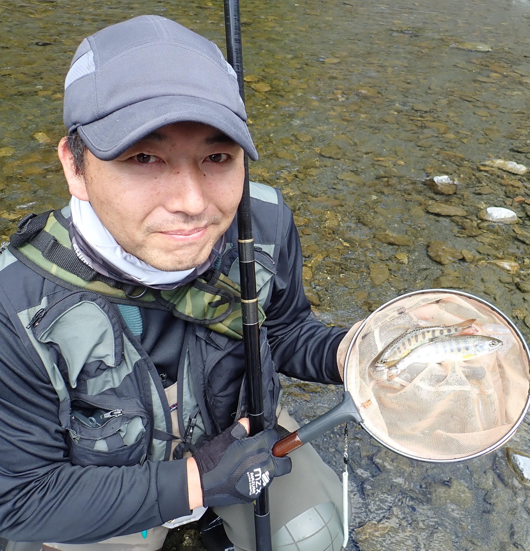 良い淵からは複数のアマゴを釣る事が出来ました。