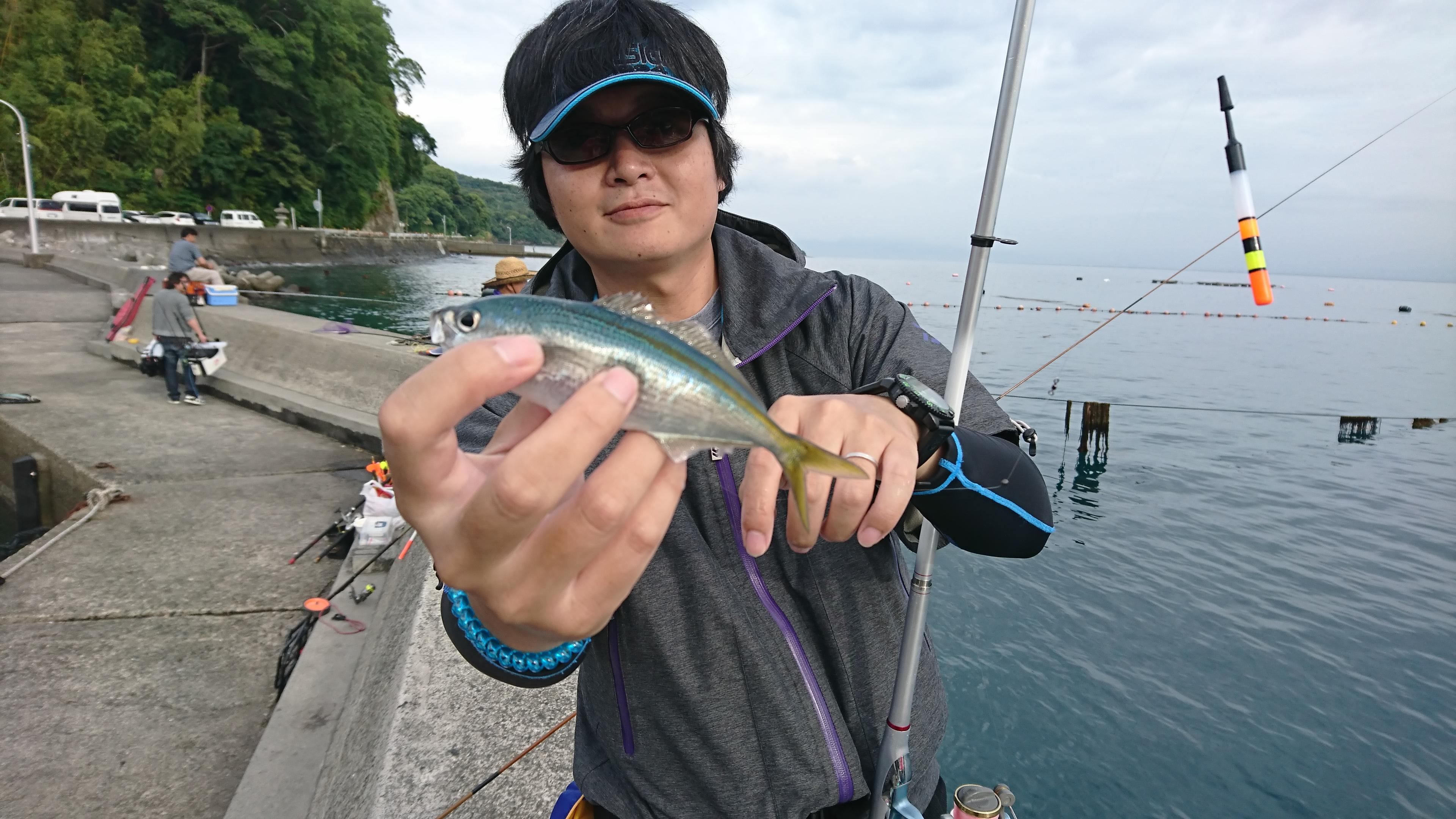 タカベ狙いでウキ釣りにて数釣れました!!