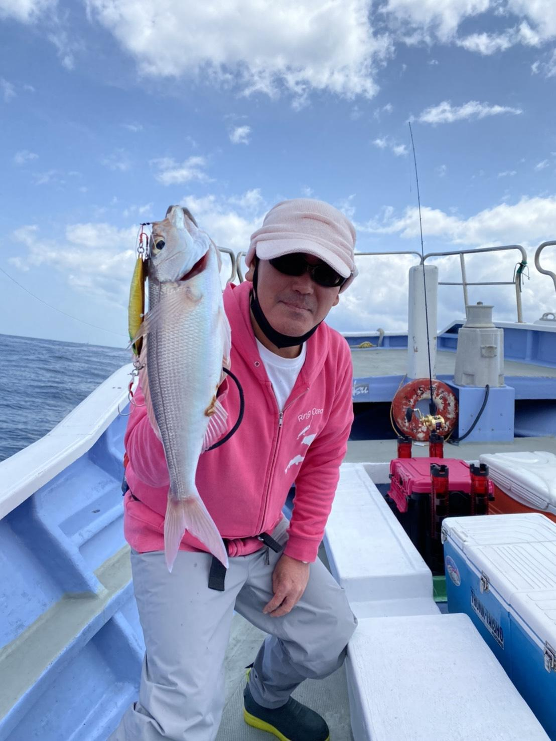 サバが多くかなり苦戦しました。金洲は様々な魚が釣れる夢のあるポイントです。