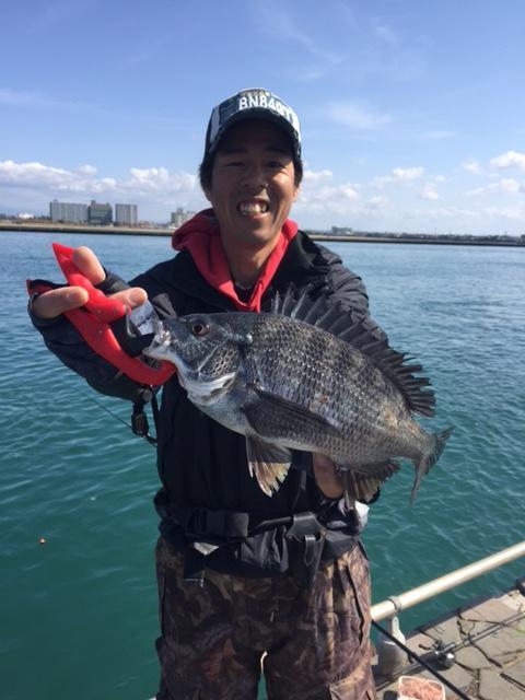 大場が釣り上げた黒鯛!!!