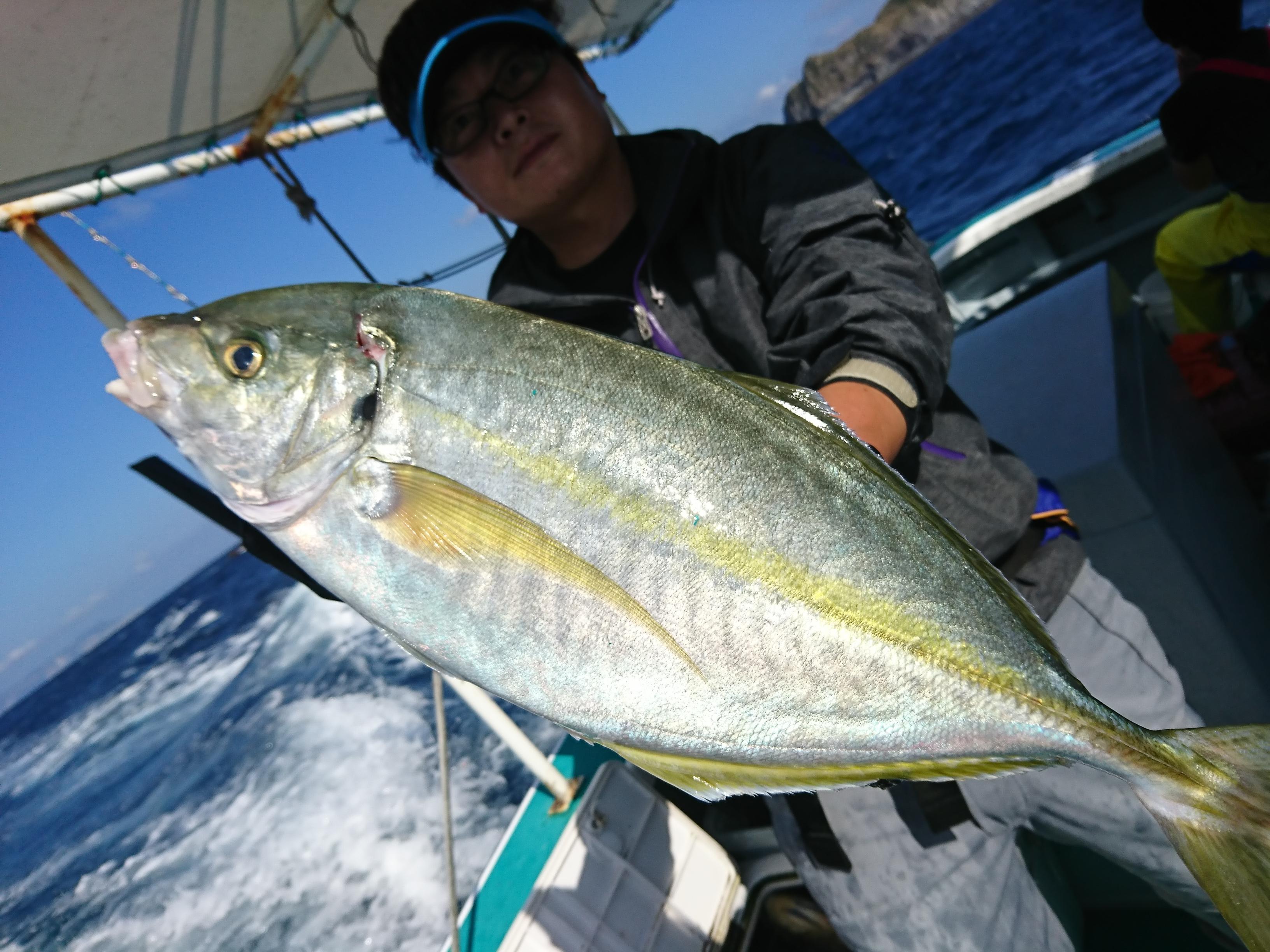 高級魚シマアジ狙いで神津島へ行ってきました。